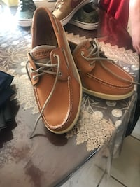 Pair of brown leather boat shoes Milwaukee, 53215
