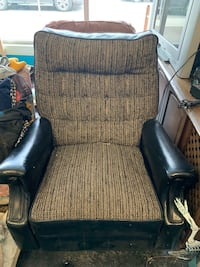 Great retro rocking chair Calgary, T3C 1E2