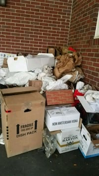 Free moving boxes and packing material.