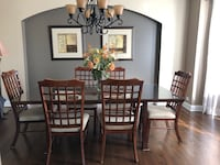 11 piece set (Table 6 chairs 2 pictures & chandelier +console table ) Arlington Heights