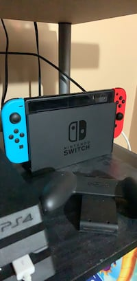 Nintendo Switch Console w/ 3 Games + Carrying Case (Comes with original box) Ajax, L1T 2N2