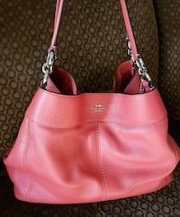 Coach purse in EXCELLENT condition Stephens City