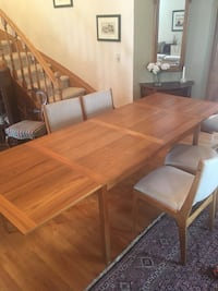 H Sighs & Søns Danish teak dining room table and 6 teak chairs Calgary, T3H