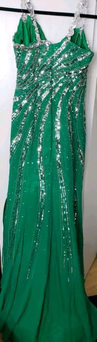 Sparkly  dress size large  London, N6E 2N3