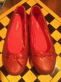 Girls size 12 sparkly red shoes Winnipeg, R2L 0X1