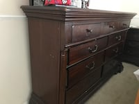 9 Drawers Dresser With 2 Night Stands Pembroke Pines, 33024