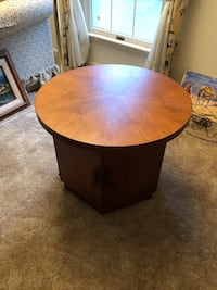 Side round wood table Woodbridge, 22192