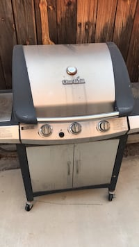 gray and black gas grill Riverside, 92508