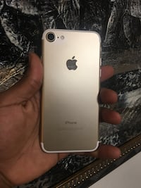 (PRICE IS FIRM) CARRIER UNLOCKED IPHONE 7 32GB (30 DAY WARRANTY) Washington, 20433