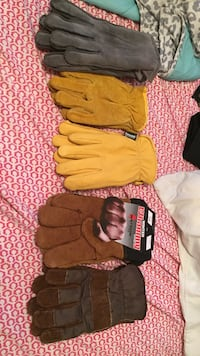 5 pairs of work gloves
