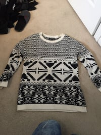 Forever 21 patterned sweater Toronto, M9B 0A8