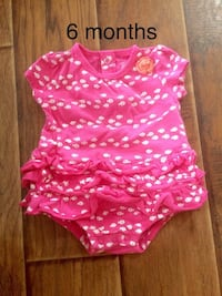 Carter's 6 month girls romper  Taylors, 29687