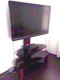 Everything in good condition and tv works it's 46 inch and has controller. 2220 mi