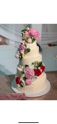Fake wedding cake Toronto, M3J 1B2
