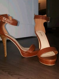 Brown platform sandals Arlington, 22203