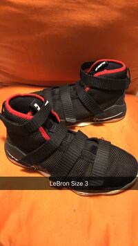 pair of black-and-red Nike basketball shoes Telford, 37690
