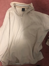 Nike zip up sweater Mississauga, L4T 3T7