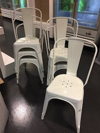 Set white metal bistro chairs Beverly Hills, 90210