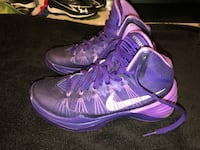 purple-and-white Nike basketball shoes Winchester, 22603