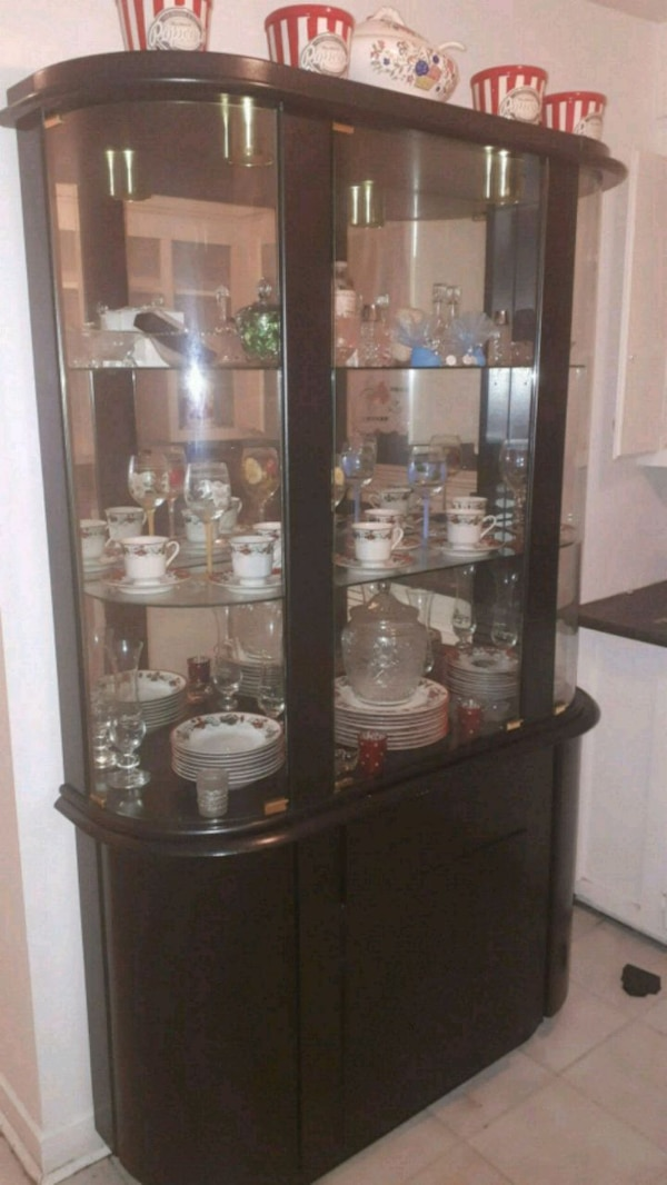 Black wooden framed glass display cabinet 486dbb61-e045-4424-8487-bbe25ad3dfdc