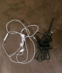 iPhone cables and headphones  Des Moines, 50315