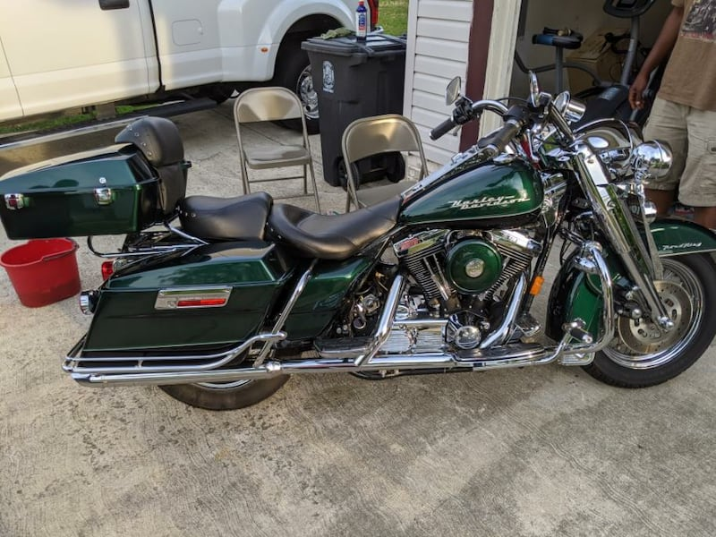 1998 Road King ONE owner 30k miles 2b22ff26-4aee-4415-93aa-d15d3541a690