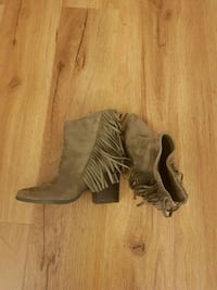 Womens Bootie boots with fringe Toronto, M6E 5B2