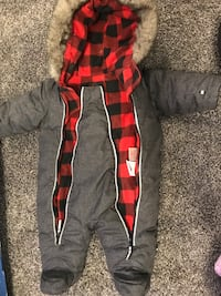 0-3 month snow suit Edmonton, T5T 4W7