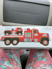Hess Fire Truck and ladder Rescue set. Collectors edition.