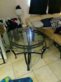 Glass top round table Fort Lauderdale, 33304