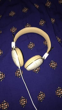 WHITE AND GOLD IHOME HEADPHONES