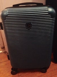 """HEYS  21"""" CARRY-ON Spinner Luggage Toronto, M6G 3A6"""