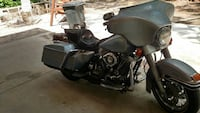 gray and black touring motorcycle