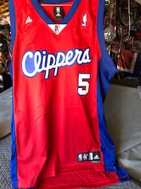 Red and blue basketball jersey size adult L  Corona, 92879