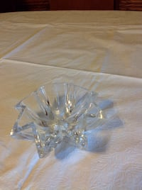 crystal scallop edge ring catcher