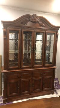 Walnut wood China Cabinet Brampton, L6Z 4N9
