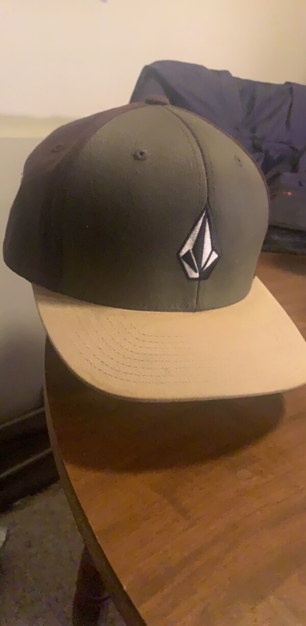 black and white fitted cap