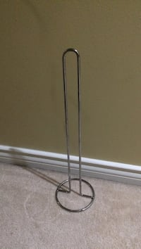 black metal base floor lamp Richmond, V6Y 1C1