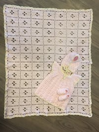 Blanket and Newborn outfit Set