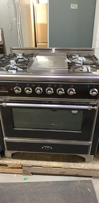 Stain steel gas stove  Toronto, M6H 4C8