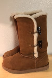 Size 7 Bearpaw Boots