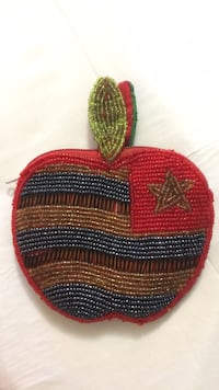 Beaded change purse Calgary, T2E 8H7