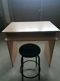 Small Study/Computer Desk with Stool East Gwillimbury, L9N 0K4