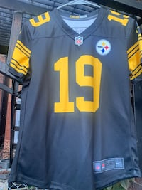 Women's Steelers jersey size S. OFFICIAL NFL JERSEY! SMITH-SCHUSTER! Pittsburgh, 15233