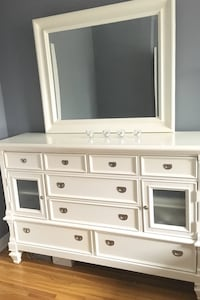 WHITE SOLID WOOD DRESSER WITH MIRROR  Toronto, M4N 2N6