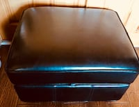 Storage Ottoman black leather excellent condition  Peoria, 85345