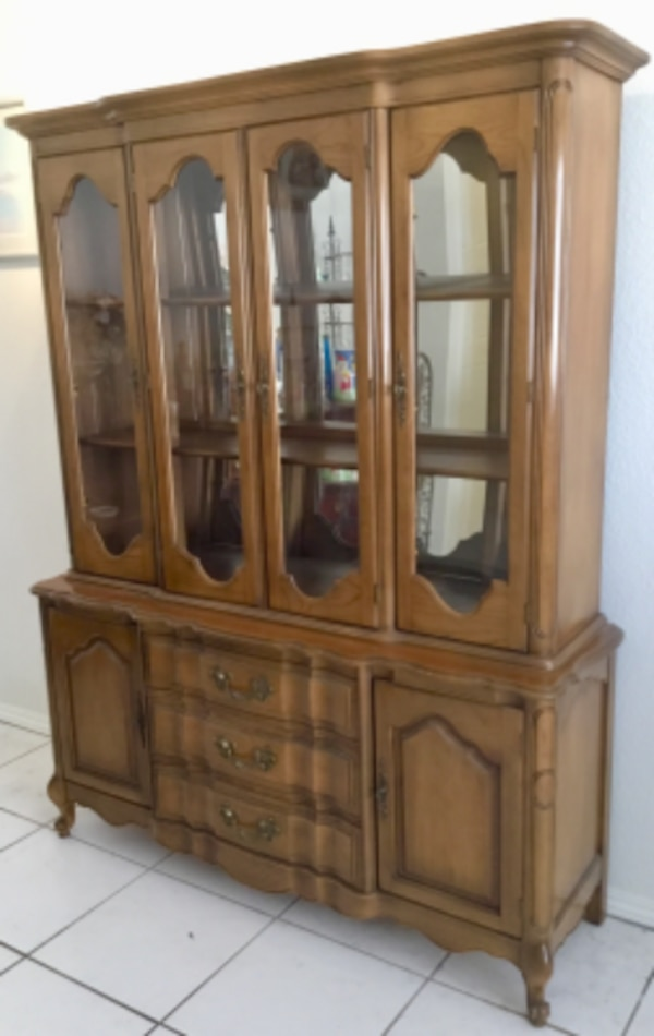 Antique China Hutch >> 1940 S Antique China Hutch Cabinet Excellent Condition Measures 74 Tall X 57 Wide X 17 Deep