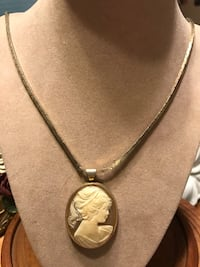 Pretty!! Vintage Cameo Necklace  Gainesville, 20155