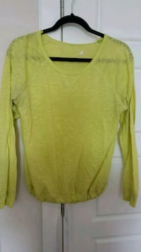 Womens florescent yellow top Calgary, T3N 0E4