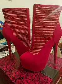 Red and Gold size 6.5 Whiting, 46394